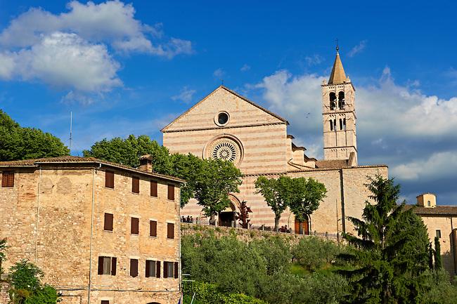 アッシジ、フランチェスコ聖堂と関連修道施設群の画像 p1_7