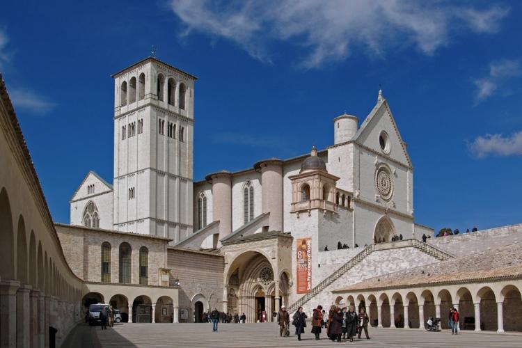 アッシジ、フランチェスコ聖堂と関連修道施設群の画像 p1_1