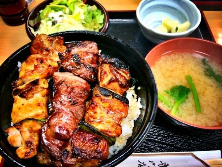 【東京】おいしい焼き鳥丼を食べるなら! 都内でおすすめのお ...