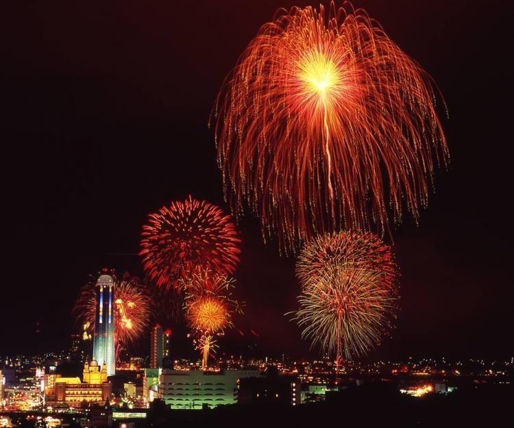 【中国地方】「松江花火」など 広島・岡山・鳥取・島根・山口の人気花火大会