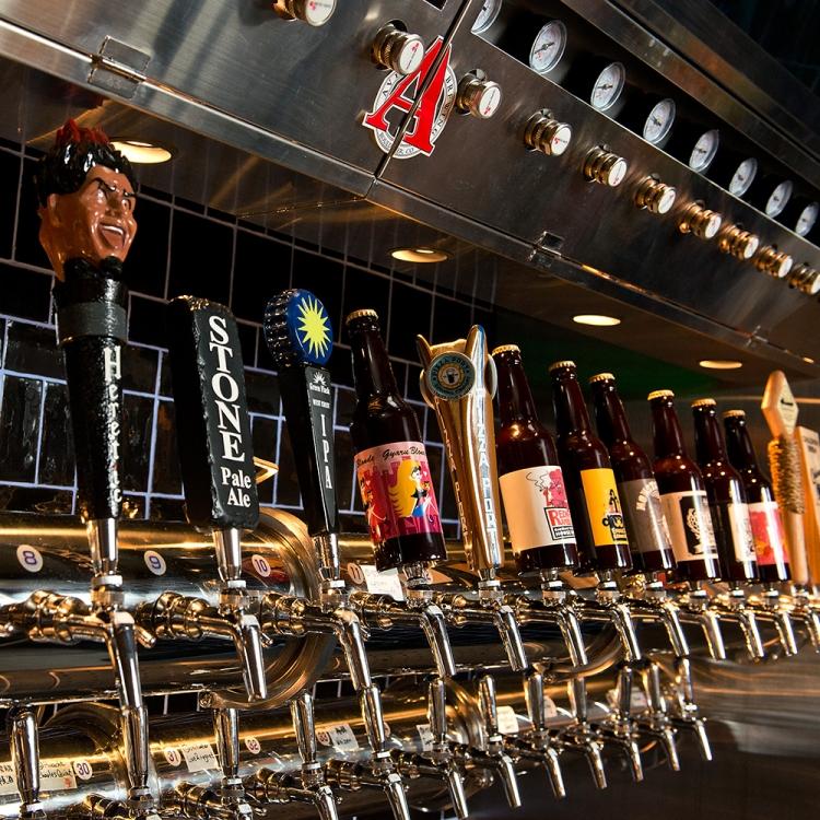 【福岡】こだわりのクラフトビールに本格フードが魅惑的なビアバー・ビアホール10選