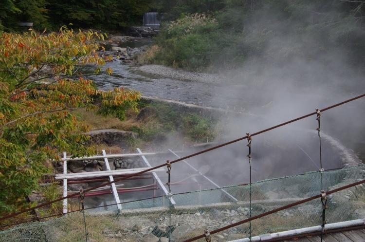 【秋田】歴史ある名湯で秋を愉しむ県内各地の紅葉露天の宿5選