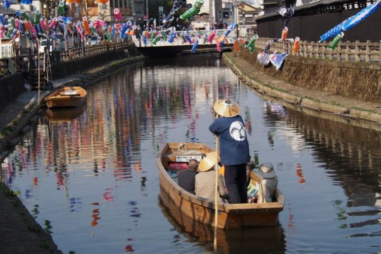 【栃木】船に乗って江戸時代へタイムスリップ! 「蔵の街遊覧船」の魅力
