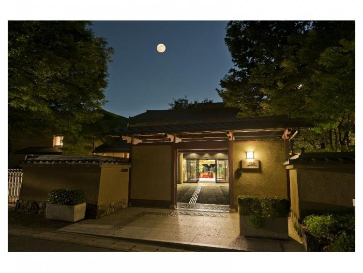 【京都】「和」の美観が広がる嵐山でおすすめのホテル・宿泊施設5選